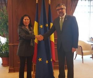 Întrevederea ministrului Culturii și Identității Naționale, domnul Lucian ROMAȘCANU,  cu doamna Rosa María SÁNCHEZ-YEBRA ALONSO,  viceguvernator al Băncii de Dezvoltare a Consiliului Europei